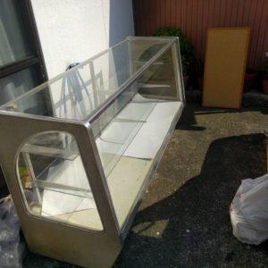 【豊前市】ガラスショーケース、ラックなどの回収☆処分をお急ぎのお客様に、迅速な回収にご満足いただけました!