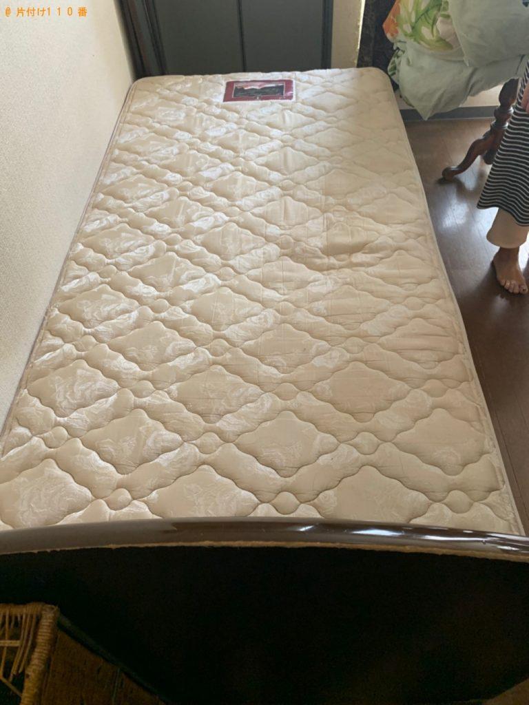 【糸島市】遺品整理に伴いベッドマットレス付きシングルベッド、鏡台等の回収
