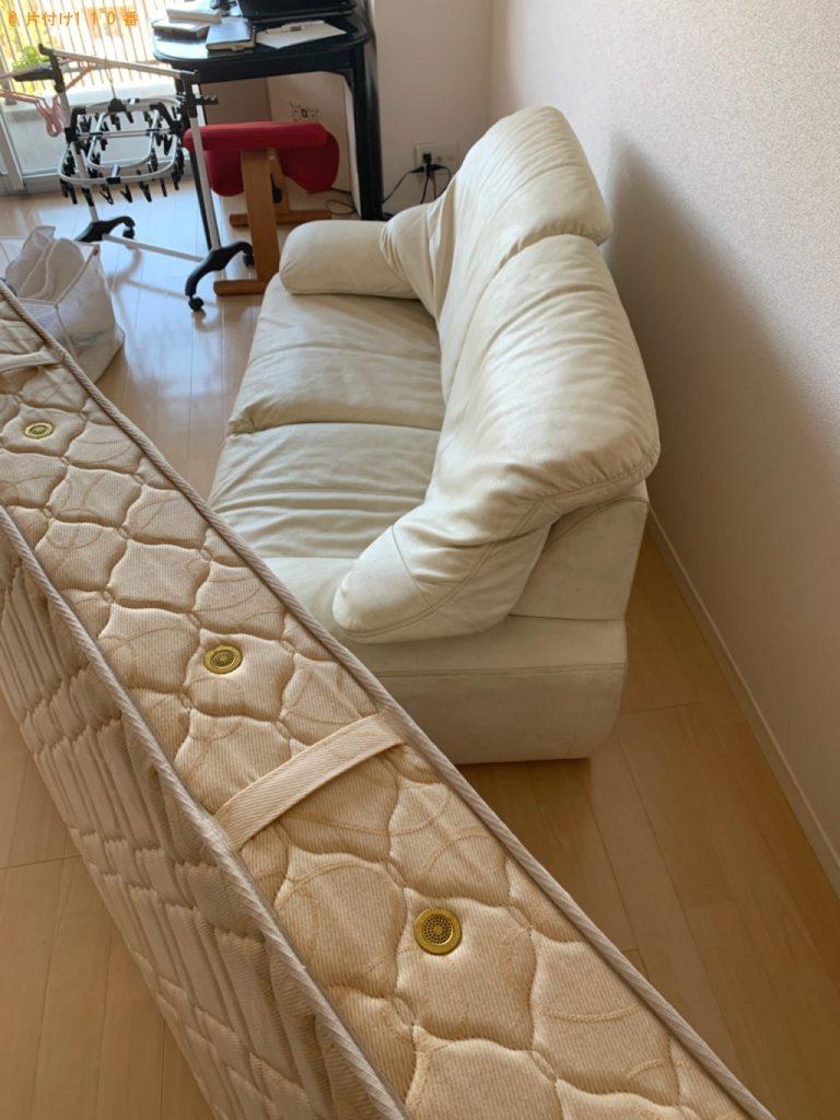 【筑紫野市】遺品整理でマットレス付きシングルベッド、キャリーバッグの回収