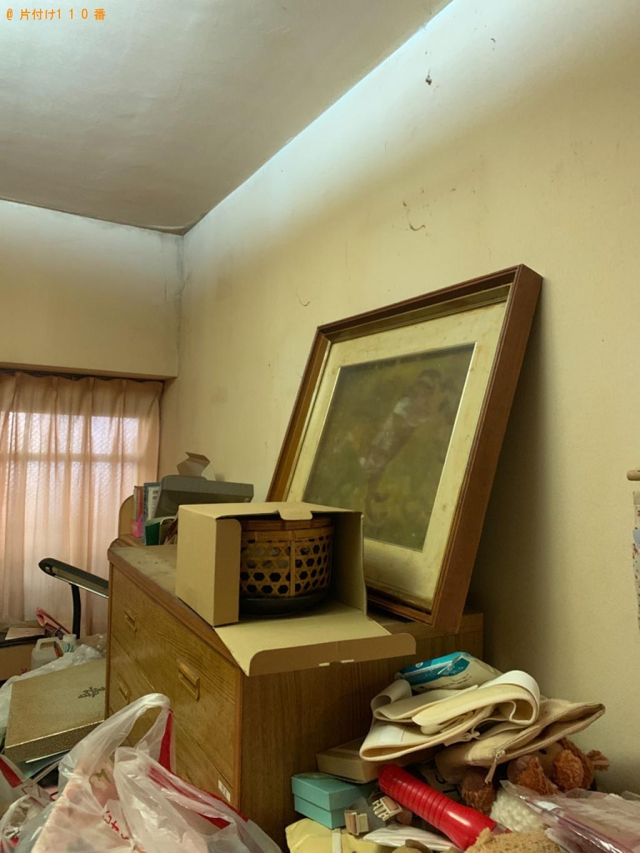 【大牟田市】遺品整理で本棚、学習机、カゴ、収納ケース、ゴミ箱等の回収